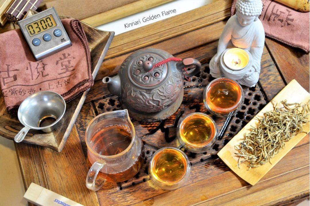 """Kinnari Golden Flame : """"Golden Tips"""" Schwarzer Tee von alten Teebäumen in Xiengkhouang, Laos"""
