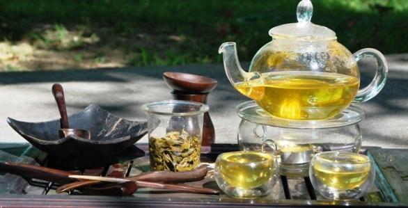 Hillside Blend Green aromatisierter grüner Tee heiß zubereitet