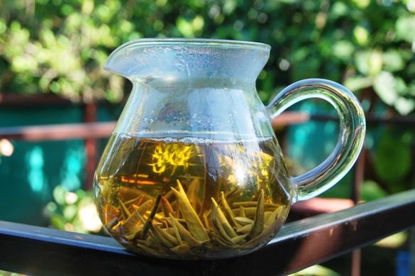 YunnMoonlight Buds Weißer Tee - Tanz der jungen Knospen im Cha-Hay