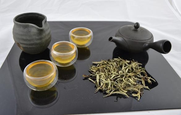 Ancient Tree White Moonlight Tee von biodivers kultivierten alten Teebäumen in Yunnan: SiamTee Umwelt- und Gesundheitsrichtlinie