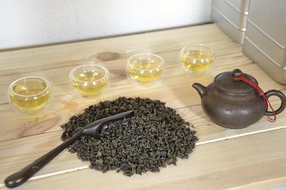 Nonpareil Jade Oolong Ginseng Tee