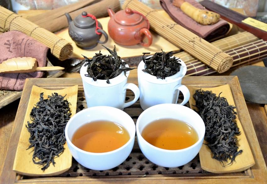 Authentische Beidou und Qidan Da Hong Pao Oolong Tees von der ersten Ablegergeneration der Mutterbüsche in Zhengyan, Wuyishan