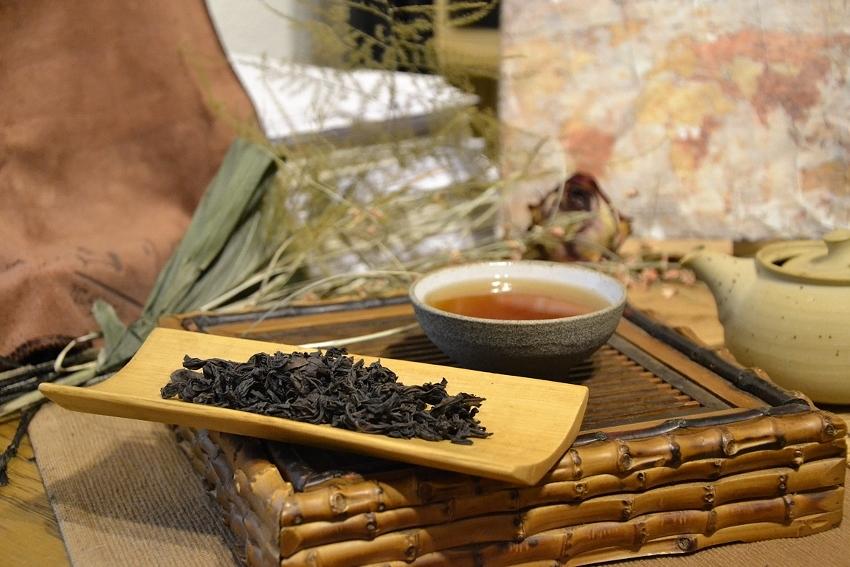 Zhengyan Shui Jin Gui Wuyi Yancha Oolong Tee