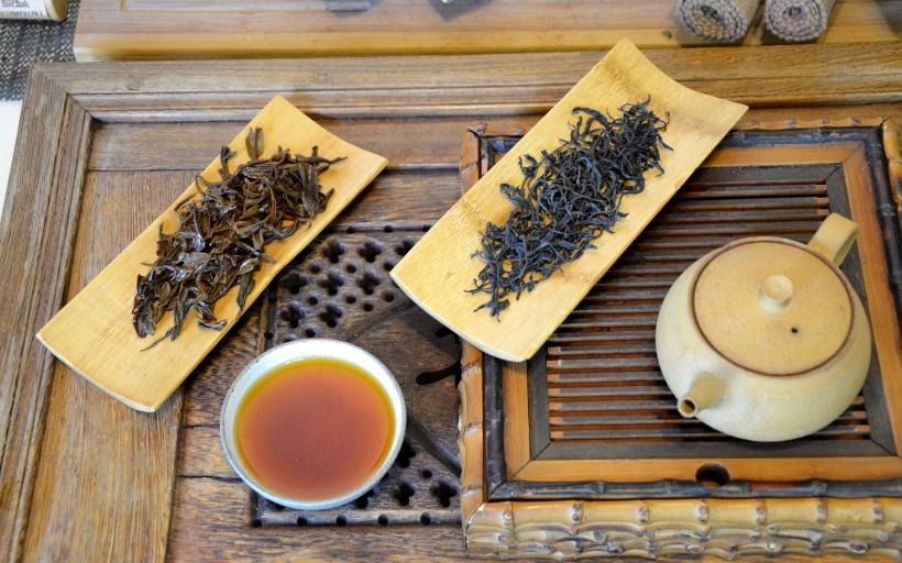 Wuyi Fruity Lapsang Schwarzer Tee von der Familie Chen, Wuyishan